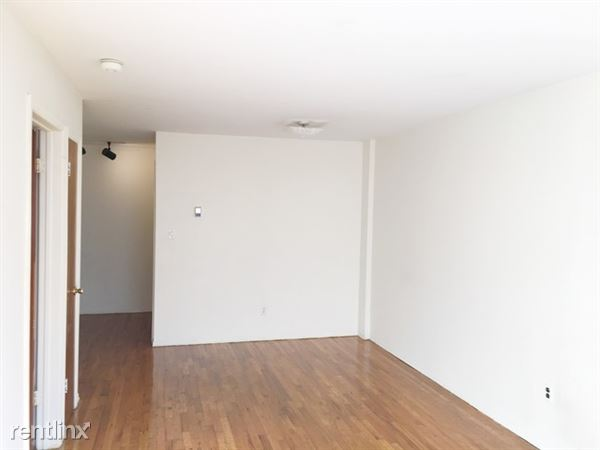 6917 64th St, Glendale, NY