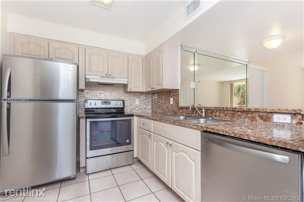2642 Collins Ave Apt 409, Miami Beach, FL