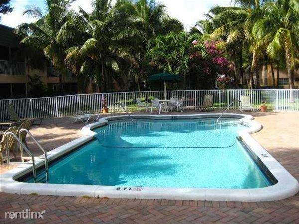 700 Se 2nd Ave, Deerfield Beach, FL
