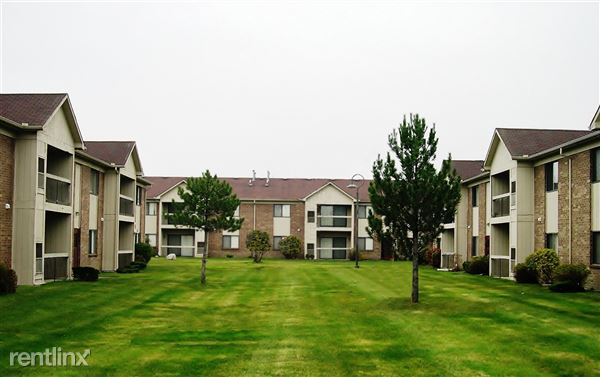 30582 Sandhurst Dr, Roseville, MI
