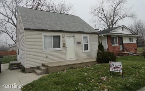 25335 Pinehurst St, Roseville, MI
