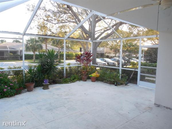 8004 Chapman Oak Ct, Palm Beach Gardens, FL