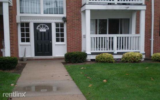 2420 Parmenter Blvd, Royal Oak, MI