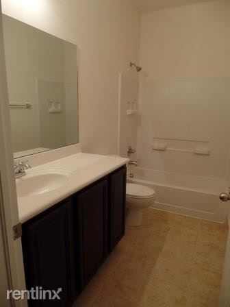 3532 Nw 29th Ct, Lauderdale Lakes, FL