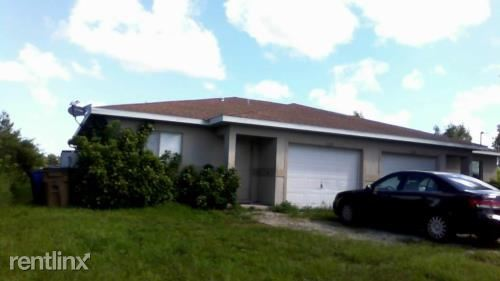 2439 Park Rd, Lehigh Acres, FL