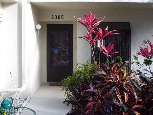 3385 Lucerne Park Dr, Greenacres, FL