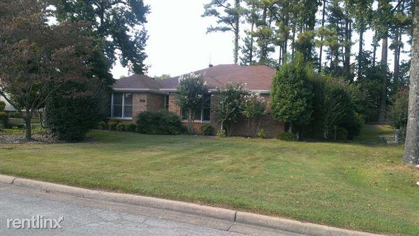 404 Brentwood Dr, Jonesboro, AR