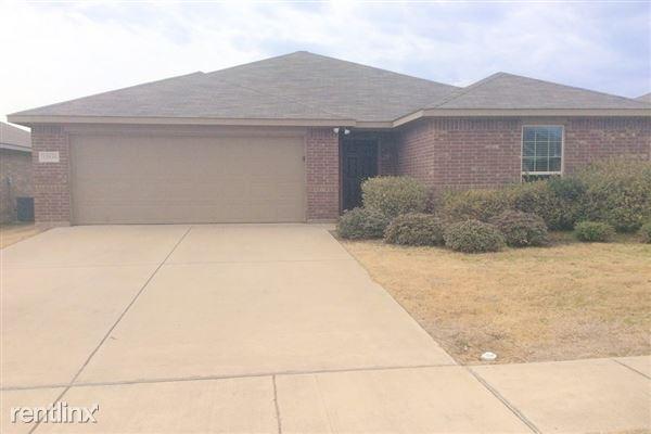 12416 Hunters Cabin Court, Burleson, TX