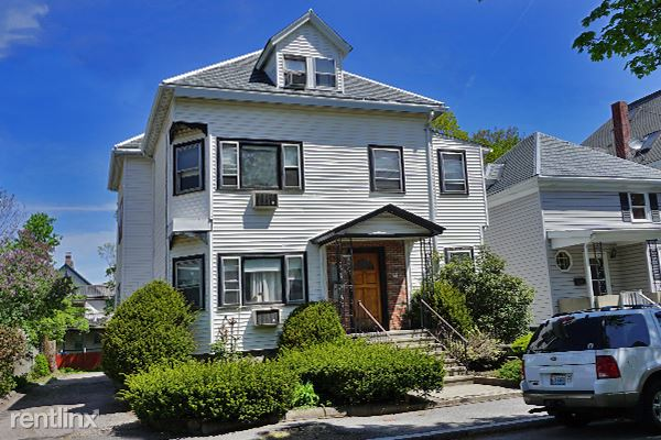 150 Brown St Apt 1r, Waltham, MA