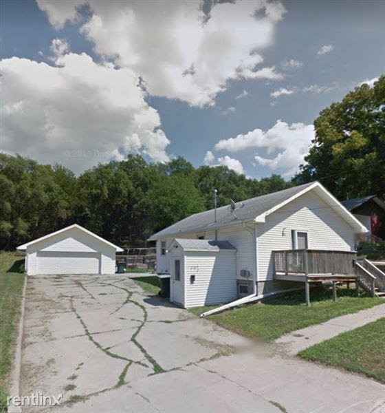 218 Prescott St Top, Sioux City, IA