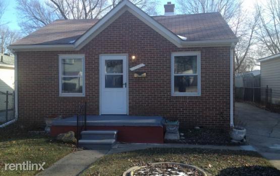 27640 Dartmouth St, Madison Heights, MI