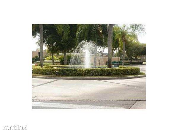 9977 Westview Dr, Coral Springs, FL