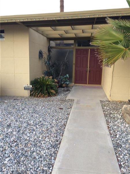 2260 E Terry Ln, Palm Springs, CA