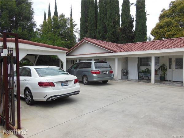 23007 Burbank Blvd, Woodland Hills, CA
