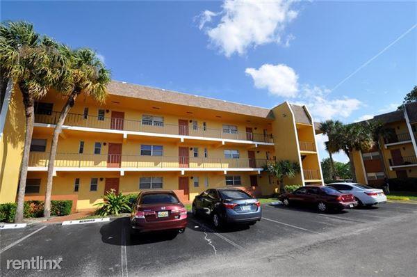 8020 Colony Cir N, Tamarac, FL