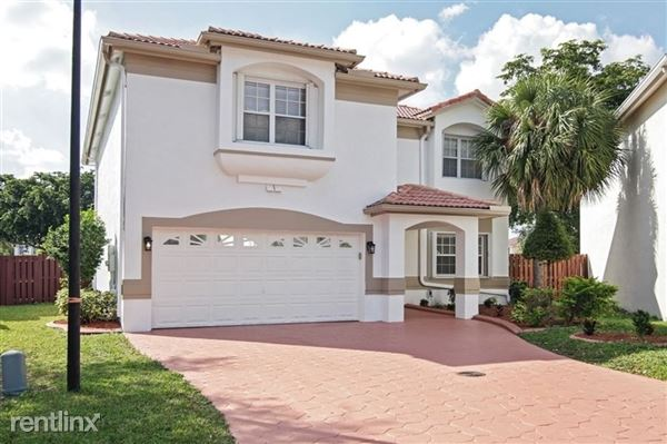 2692 Nw 79th Ave, Margate, FL