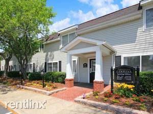 414 Turlington Rd, Newport News, VA