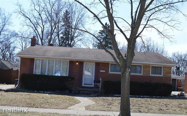 34281 Dover St, Livonia, MI