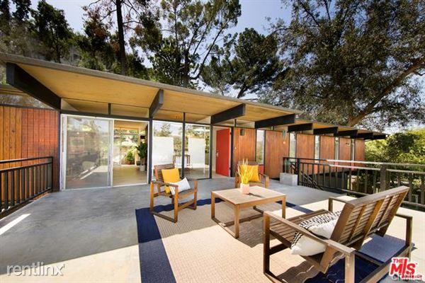 1404 Oak Grove Dr, Los Angeles, CA