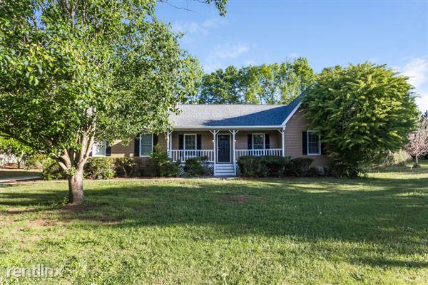 140 Pine Tree Lane, Mcdonough, GA