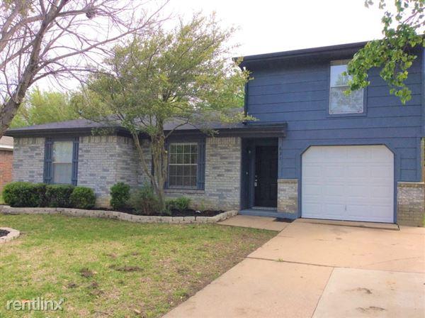 631 Plainview Drive, Mansfield, TX