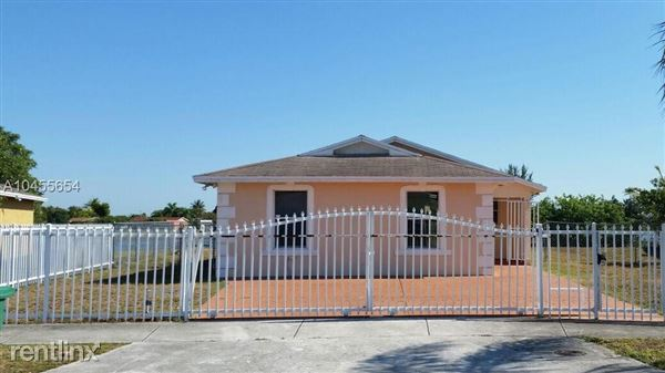 3301 Nw 193rd St, Miami Gardens, FL