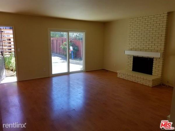 5333 Bellingham Ave Apt 3, Valley Village, CA