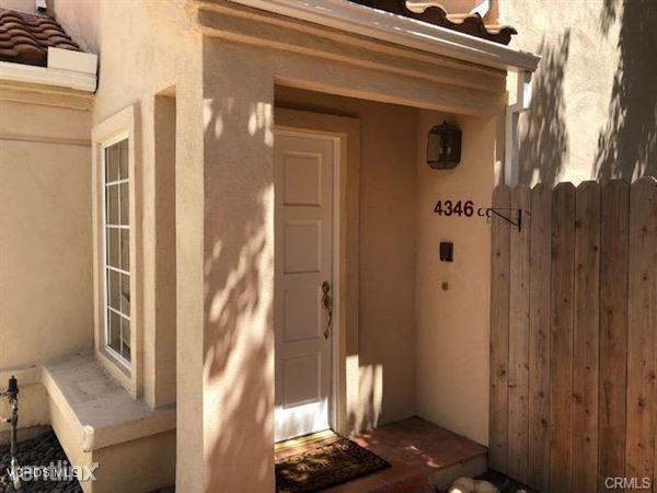 4346 Willow Glen St, Calabasas, CA