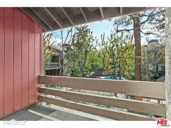 21930 Marylee St Apt 95, Woodland Hills, CA