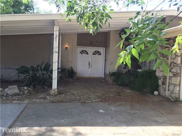8501 Enfield Ave, Northridge, CA