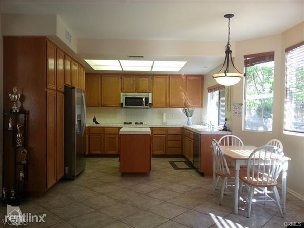 1816 Golden Oak St, Thousand Oaks, CA