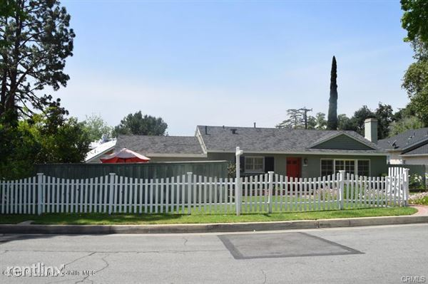 4947 Revlon Dr, La Canada Flintridge, CA