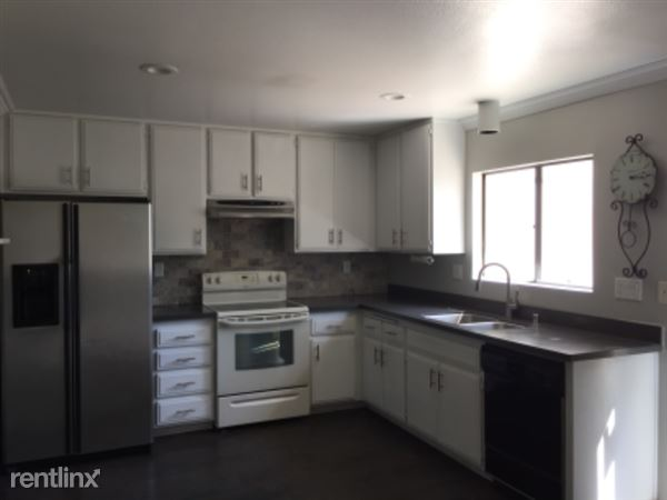 245 N Singingwood St, 12, Orange, CA