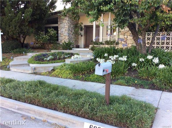 6025 El Escorpion Rd, Woodland Hills, CA