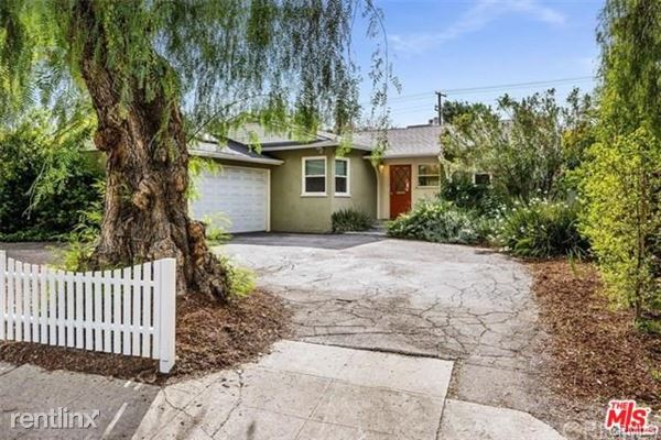 5177 Don Pio Dr, Woodland Hills, CA