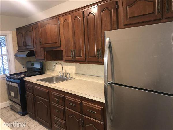 833 N Woodington Rd, Baltimore, MD
