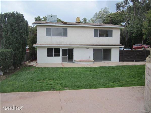 20962 Bandera St, Woodland Hills, CA