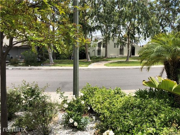 4645 Park Mirasol, Calabasas, CA