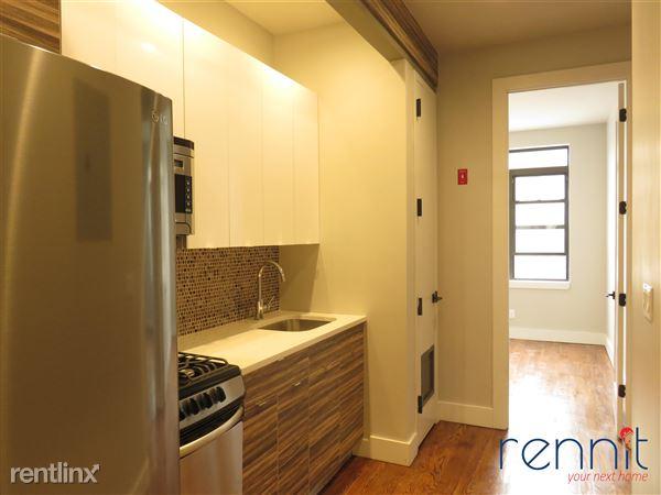 377 Onderdonk Ave, Ridgewood, NY