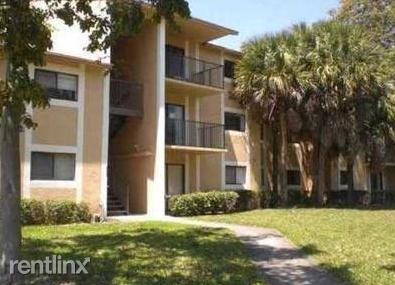 301 Palm Way, Pembroke Pines, FL