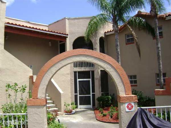 8713 SW 5th St, Pembroke Pines, FL