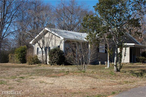 2672 Snapfinger Rd, Decatur, GA