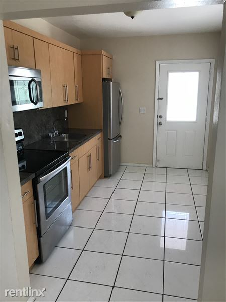 130 West 40th Place, Hialeah, FL