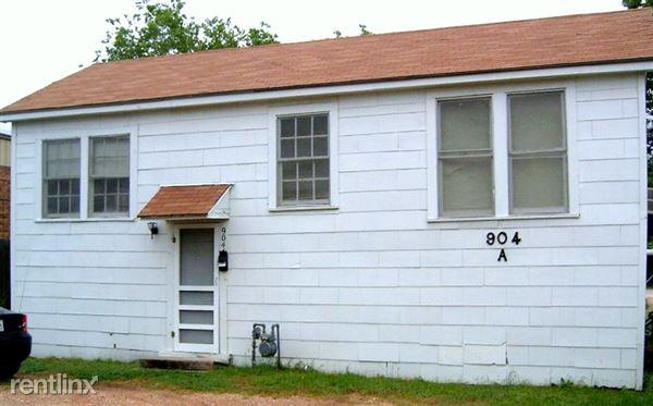 904A E 29th St, Bryan, TX