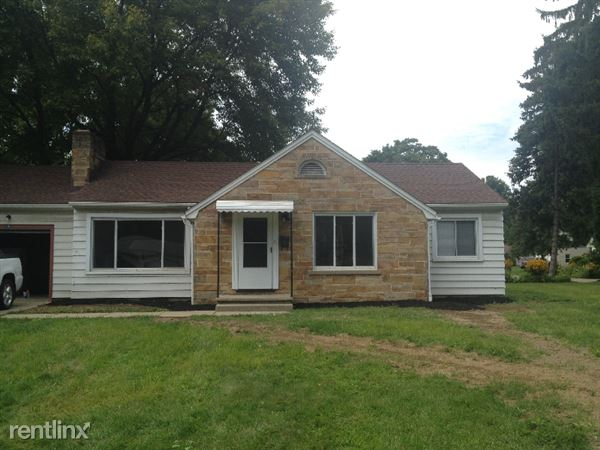 106 S Pershing Ave, Akron, OH