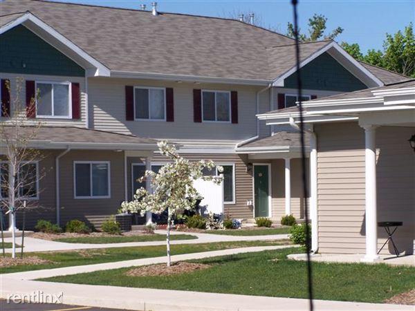 400 Green Park Dr, Mason, MI