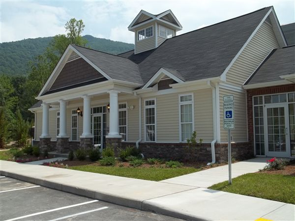 Berrington Village Apartments in Asheville - 630351