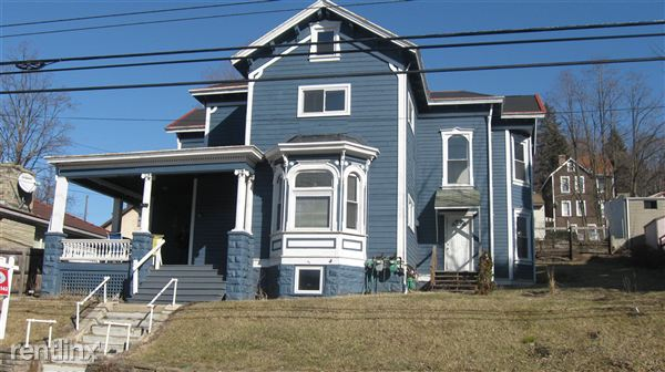 House for Rent in Carnegie
