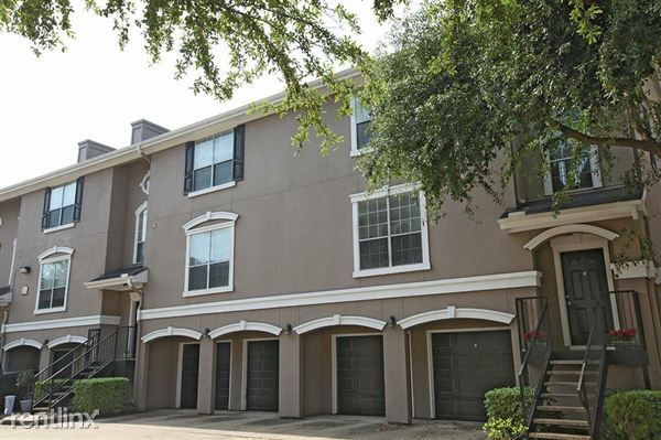 3968 tri level townhome with attached garage houston for Apartment homes with attached garage