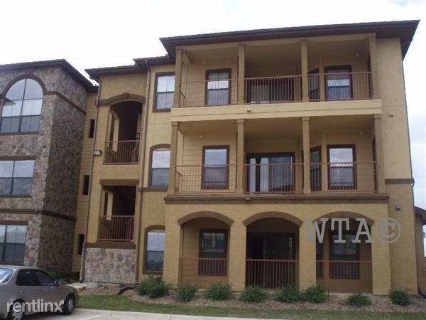 7601 Gateway Blvd Apt 24390, Live Oak, TX